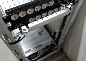 Монтаж серверной стойки